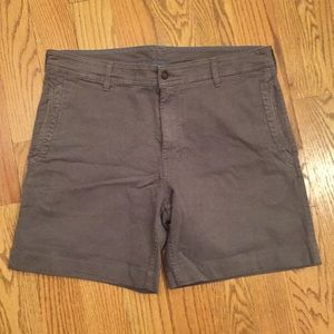 "Men's Northface shorts, tailored for a 7"" inseam"